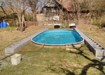 Hoštišov - bazén