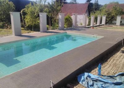 Nadějkov - bazén